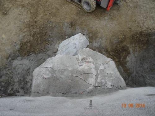 fels-sprengen-mit-betonamit