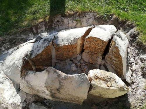 steine-zerkleinern-mit-betonamit-sprengmittel
