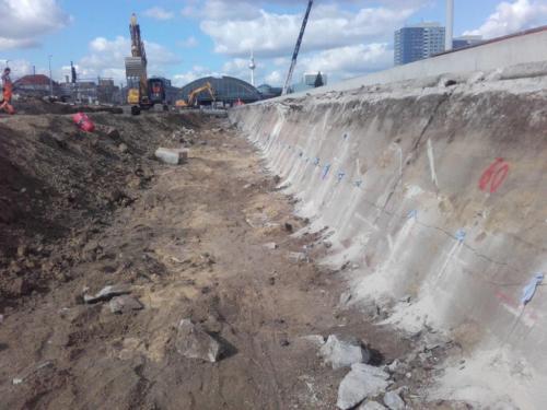 Abbruch von großen Betonelementen