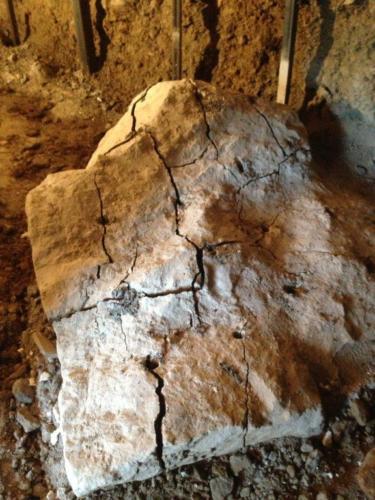 BETONAMIT® zum Steine spalten einsetzen