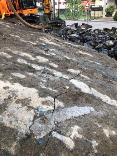BETONAMIT - Fels brechen mit Quellsprengstoff
